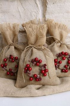 """Burlap Gift Bags, Set of FOUR, Shabby Chic Christmas Wrapping, Berry and Jute Twine Wrapped Wreath, Jute Twine Tie, Size: 7"""" x 11""""."""