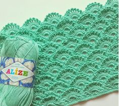 Crochet free beautiful patterns under the name of scales. It really looks like the scales, but also shells.  The free crochet ...