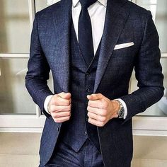 Three piece suit is coming back! Three piece suit is coming back! Best Suits For Men, Cool Suits, Suit Styles For Men, Suit For Men, Ties For Men, Formal Suits For Men, Trendy Suits For Men, Suit And Tie, Best Business Casual Outfits