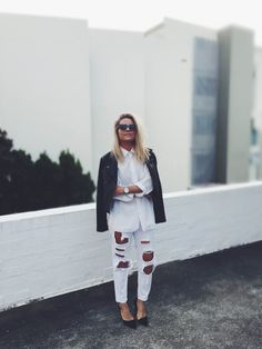 miann scanlan larsson jennings leather jacket cabin cove white shirt minimalist surf style street blogger fashion michael kors black pumps heels chic ripped boyfriend jeans