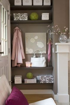 Entryway organization - love the wall print too!