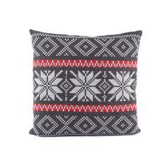 Coussin Norvégien 50x50 FS Home Collections Ce coussin norvégien 50 x 50 cm avec une face gris clair et une face gris foncé est très confortable. Facilement déhoussable, il apportera une touche montagnarde à votre décoration d'intérieur. Dimensions : 50 x 50 cm Composition : 60% laine ; 19% coton ; 13% polyacryl ; 8% polyamide Entretien : déhoussable, nettoyage à sec http://trend-on-line.com/decoration/confort/coussins/coussin-norvegien-50x50