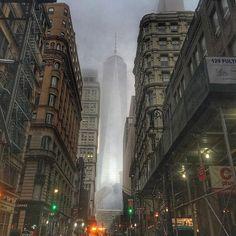 Good foggy Morning... #thisisnewyorkcity #ig_nycity #wow_america #nycprimeshot #loves_united_team #lowermanhattan #onewtc #freedomtower #moodygrams #metropicsnyc #building_shotz #fog #foggy #ny #nyc #nypix #newyorkcity #phototag_street #rsa_streetview_ #manhattan #what_i_saw_in_nyc #mycity_life #icapture_nyc #just_newyork #loves_nyc #nypostnyc #made_in_ny #nbc4ny #abc7ny #fox5ny
