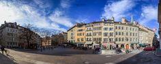 Panorama de la place du Bourg-du-Four. - Ce panorama est un assemblage de 15 photographies prisent le jour de noël.