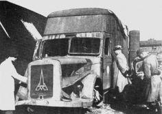 Der Begriff der Gaskammern ist uns bekannt, vornehmlich aus Auschwitz, Treblinka, Sobibór und vielen anderen Vernichtungslagern. Doch weitaus weniger ist die Existenz von den 'mobilen' Vergasungen von Hunderttausenden Menschen bekannt. Genaue Daten und Befehle hinsichtlich der 'Inbetriebnahme' diese