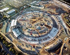 See Apple's new spaceship campus in huge new aerial shots Sede Da Apple, Apple New, Steve Jobs, Under Construction, Videos, City Photo, Architecture, Image, Sunday
