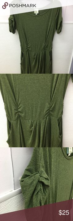 Anthropologie Dress Good used condition Anthropologie Dress in olive green color. Cute and simple! Size Medium.❤ Anthropologie Dresses