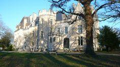 Le Château des Réaux situé à La Chautay dans le Cher, à partir de 100€/nuit pour 2 personnes - Cliquez sur l'image pour accéder à la fiche de la chambre d'hôtes