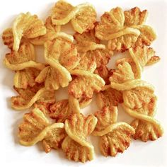 New Party Snacks Finger Foods Puff Pastries Ideas Tapas, Easy Party Food, Party Snacks, Dutch Recipes, Baking Recipes, Amish Recipes, Finger Food Desserts, Brunch, Parmesan Recipes