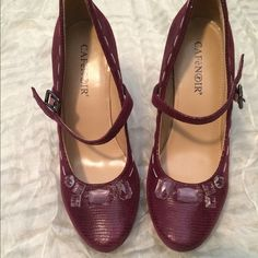 Magenta classy heels Only worn once. Almost new condition. Super cute. True to size Shoes Heels