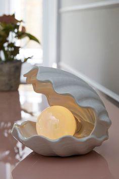 Pearl Shell Table Lamp - All For Decoration Deco Luminaire, Pastel Room, Deco Originale, Interior Decorating, Interior Design, Bedside Table Lamps, Dream Apartment, Aesthetic Room Decor, Deco Design