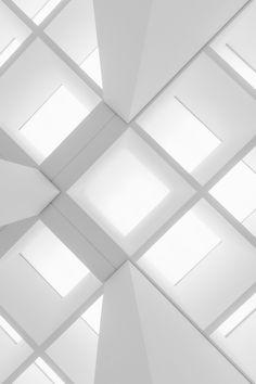 architecture Maria Moiseeva likes Architecture Design, Architecture Board, Architecture Interiors, Foto Art, White Rooms, White Bedroom, White Walls, Shades Of White, White Aesthetic