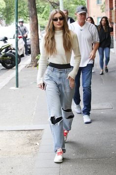 trendy fashion model street off duty Estilo Gigi Hadid, Bella Hadid Style, Oufits Casual, Cute Casual Outfits, Trendy Fashion, Fashion Models, Fashion Outfits, Street Looks, Street Style