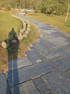 Maybe Karl will let me use all that slate he has to make a walkway like this in my backyard!