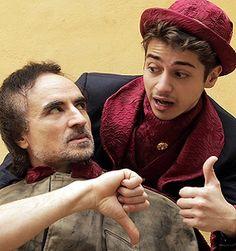 """Al Teatro Elicantropo """"Strafàust"""" di Massimo Maraviglia. Il regista partenopeo porta in scena l'erede degenere di tutti i Faust che lo hanno preceduto, qui precipitato in uno squalificato eterno presente. #teatro #Napoli"""