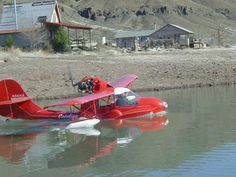 The Avid Catalina is a three place airplane that can take-off of land or water. It's even better than amphibious floats because this airplane uses tundra tires . Amphibious Aircraft, Flying Boat, Big Bird, Aviation Art, Amphibians, Airplanes, Military, Pilots, Flashlight