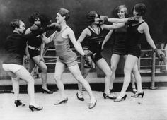 1930's Women boxing with heels//