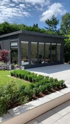 Video tour with Martin Baker - Ultimate Garden Office. Designed & built for a client in Tadworth, Surrey. Specifications for this fully equipped office building: x Aluminium windows & bi-fol Carport Designs, Pergola Designs, Carport Ideas, Garage Ideas, Building Exterior, Building Design, Building Logo, Building Elevation, Building Facade