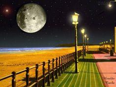 Lua sobre praia