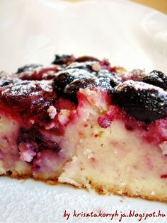 Blueberry Upside-Down Cake Recipes Cake Mix Recipes, Baking Recipes, Dessert Recipes, Blueberry Upside Down Cake, Berry Pie, Canned Peaches, Tasty Kitchen, Yellow Cake Mixes, Cupcake Cakes