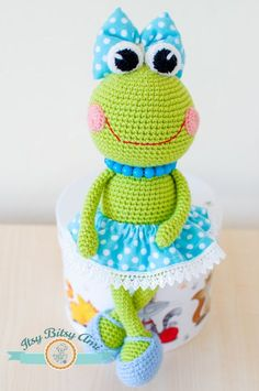 Sara The Frog Amigurumi PDF Pattern by ItsyBitsyAmi on Etsy