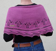 http://www.ravelry.com/patterns/library/tulips-for-friends---tulipanok-a-baratsag-kertjebol