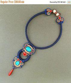Echa un vistazo a este artículo en mi tienda Etsy https://www.etsy.com/listing/466286903/on-sale-dark-blue-soutache-necklace-with: