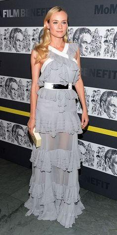 DIANE KRUGER    La actriz alemana acaparó todos los flashes en un evento en Nueva York en honor al director de cine Quentin Tarantino. Llevó un vestido gris de vuelos, confeccionado en gasa semi transparente por el diseñador Prabal Gurung.
