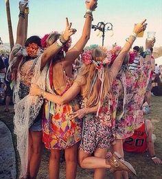 bohemian boho style hippy hippie chic bohème vibe gypsy fashion indie folk look outfit Boho Chic, Hippy Chic, Style Hippie Chic, Gypsy Style, Bohemian Style, Bohemian Summer, Look Festival, Festival Fashion, Festival Girls