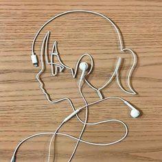 Girl Listening To Music. to Music Girl Listening To Music. Couple Wallpaper, Music Wallpaper, Cartoon Wallpaper, Camera Wallpaper, Music Drawings, Art Drawings Sketches, Musik Illustration, Listening To Music, Music Music