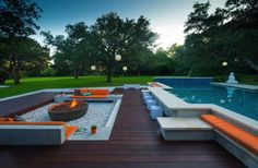 20 Sophisticated Outdoor Fire Pit Designs Near The Swimming Pool im Hinterhof des Pools 20 Sophisticated Outdoor Fire Pit Designs Near The Swimming Pool Backyard Pool Designs, Swimming Pool Designs, Patio Design, Swimming Pools, Outdoor Fire, Outdoor Pool, Outdoor Living, Outdoor Seating, Jardin Feng Shui