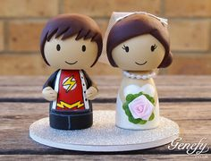 Cute THE FLASH superhero wedding cake topper. Bahahaha.