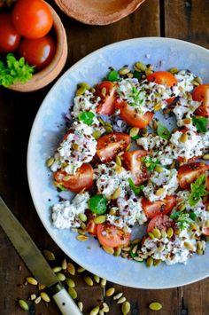 En lidt anderledes tomatsalat opskrift   JulieKarla