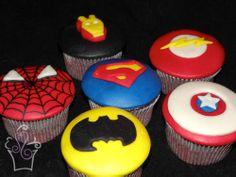 Superhero cupcakes #cupcakes #superheroes #superman #spiderman #batman #captainflash #captainamerica #ironman