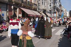 La tradicional Fiesta de los Güevos Pintos, declarada de interés turístico nacional en 1968, se celebra cada año coincidiendo con el martes de Pascua. La fiesta destaca por la decoración de huevos de ave con motivos asturianos u ornamentales, una tradición que se remonta a finales del siglo XIX y que se atribuye a emigrantes centroeuropeos que trabajaban en las minas asturianas.