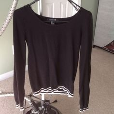 Sailor black n white top Great condition Forever 21 Sweaters Crew & Scoop Necks