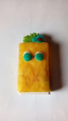 Hermoso sacapuntas kawaii hecho x Magdalena Soto con caja de mentas. Dele like es casero y fácil de hacer ahora te toca a ti . Te atreves?●0●