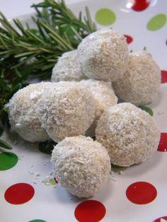 "ADDICTED to VEGGIES: Raw Vegan Christmas: Coconut - Lime ""Let it Snow"" balls!"