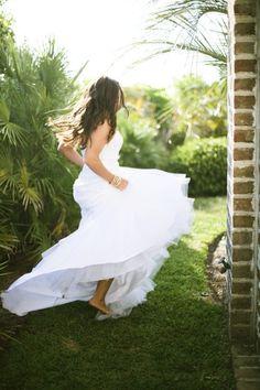 Wedding Photography Ideas : barefoot and beautiful   Photography by heatherpaynephoto