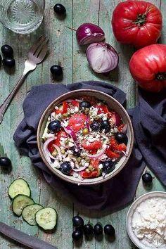 28 RECETAS DE ENSALADA GRIEGA | MURANO SPORTS Best Salad Recipes, Healthy Recipes, Food Inspiration, Acai Bowl, Camembert Cheese, Salads, Scott Jurek, Healthy Eating, Cooking Recipes