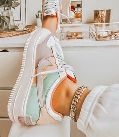 Jordan Shoes Girls, Girls Shoes, Sneakers Fashion, Fashion Shoes, Basket Style, Jugend Mode Outfits, Nike Shoes Air Force, Aesthetic Shoes, Cute Sneakers