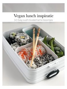 Vegan lunch inspiratie voor mee naar school of op je werk vind je op veganmetjuud.nl! Of volg mij via Instagram @veganmetjuud Sushi Lunch, Vegan Sushi, Lunch To Go, School, Instagram, Food, Essen, Meals, Yemek