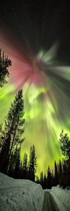 Awesome St. Patrick's Day aurora - March 17, 2015 - from Pekka Isomursu in Finland.