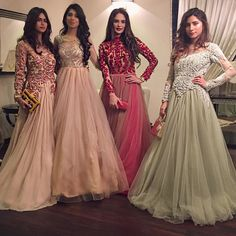 """These beauties in Allechant ✨ Order for dresses now and have them now. Pakistani Wedding Dresses, Pakistani Bridal, Pakistani Outfits, Indian Outfits, Bridal Dresses, Pakistani Gowns, Moda Indiana, Party Kleidung, Red Lehenga"
