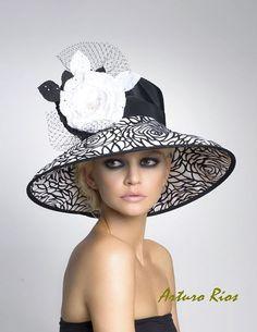 Fancy hats - Chelsea Widebrim Derby Hat by Arturo Rios (Black/White) Chapeaux Pour Kentucky Derby, Kentucky Derby Hats, Fancy Hats, Big Hats, Beauty And Fashion, Derby Day, Stylish Hats, Wearing A Hat, Church Hats