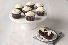 Easy Philly Cream Cheese Recipes & Cooking Tips – Appetizers, Entrees, Desserts & Healthy Recipes Yummy Treats, Delicious Desserts, Sweet Treats, Yummy Food, Frosting Recipes, Cupcake Recipes, Cupcake Cakes, Cupcake Ideas, Muffin Recipes
