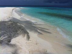 °Vor allem in der Regensaison sind die Stimmungen super toll °Especially in the rainy season, the moods are great Delphine, Rainy Season, Seasons, Beach, Water, Outdoor, Snorkeling, Maldives, Sunrise
