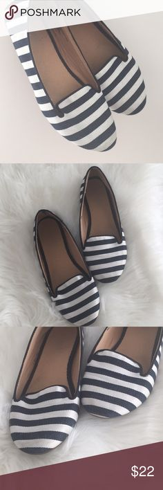 Navy blue with white striped Old Navy flats I'm used condition  Size 6  Old Navy  ❗️offers welcome ❗️ Old Navy Shoes Flats & Loafers
