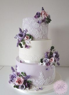 Purple Lace and Sugar Blossoms Wedding Cake - Wedding Food .- Lila Spitze und Zucker blüht Hochzeitstorte – Wedding Food Ideas – Purple Lace and Sugar Blossoms Wedding Cake – Wedding Food Ideas – # Blossoms Cake - Wedding Cake Fresh Flowers, Purple Wedding Cakes, Elegant Wedding Cakes, Beautiful Wedding Cakes, Wedding Cake Designs, Wedding Cake Toppers, Beautiful Cakes, Lace Wedding, Wedding Cake With Lace