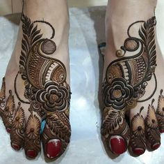 Mehandi Design For Legs Find the best and latest stylish mehndi designs… – Henna Rose Mehndi Designs, Henna Designs Feet, Legs Mehndi Design, Mehndi Designs 2018, Stylish Mehndi Designs, Bridal Henna Designs, Dulhan Mehndi Designs, Mehndi Design Pictures, Mehndi Designs For Fingers